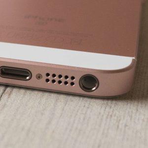 iPhone SE Hörlursuttag